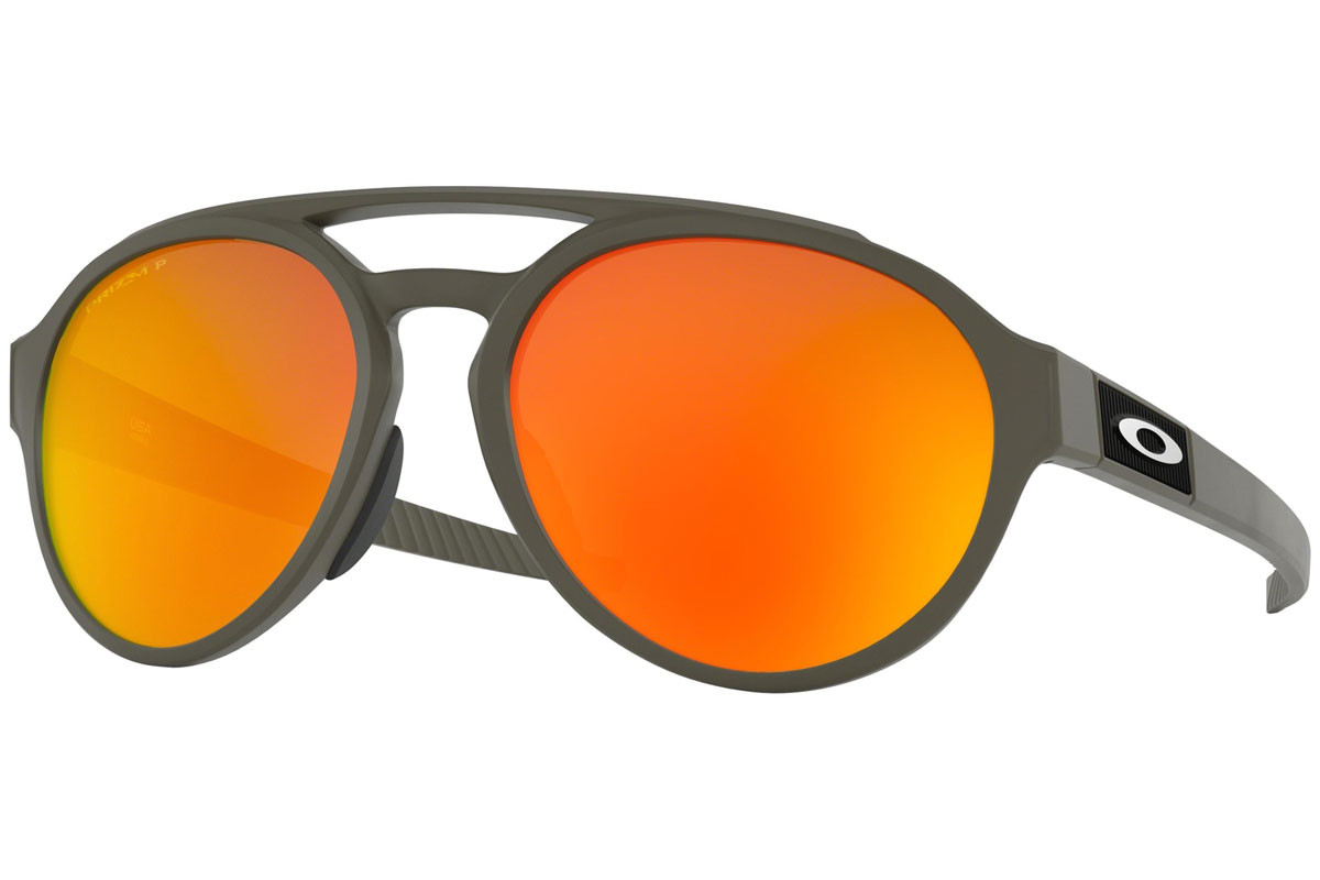 Oakley Forager OO9421-07 PRIZM Polarized. Frame color: Grey, Lens color: Red, Frame shape: Round