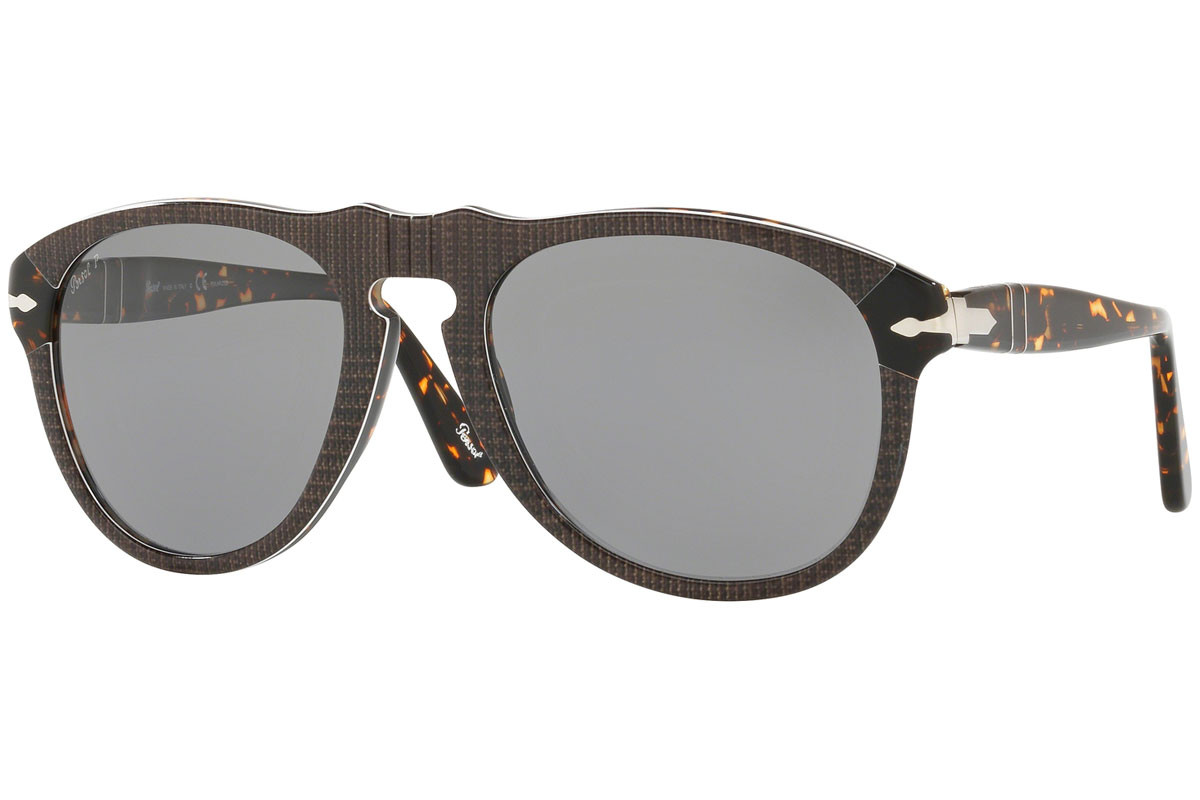Persol 649 Series PO0649 1093P2 Polarized. Frame color: Smeđi, Lens color: Sivi, Frame shape: Pilotski