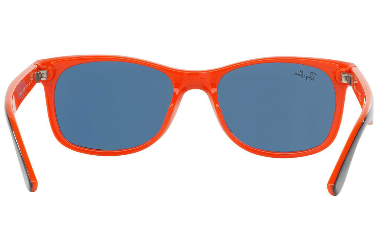 Ray-Ban Junior New Wayfarer Junior RJ9052S 178/80. Frame color: Blue, Lens color: Blue, Frame shape: Squared