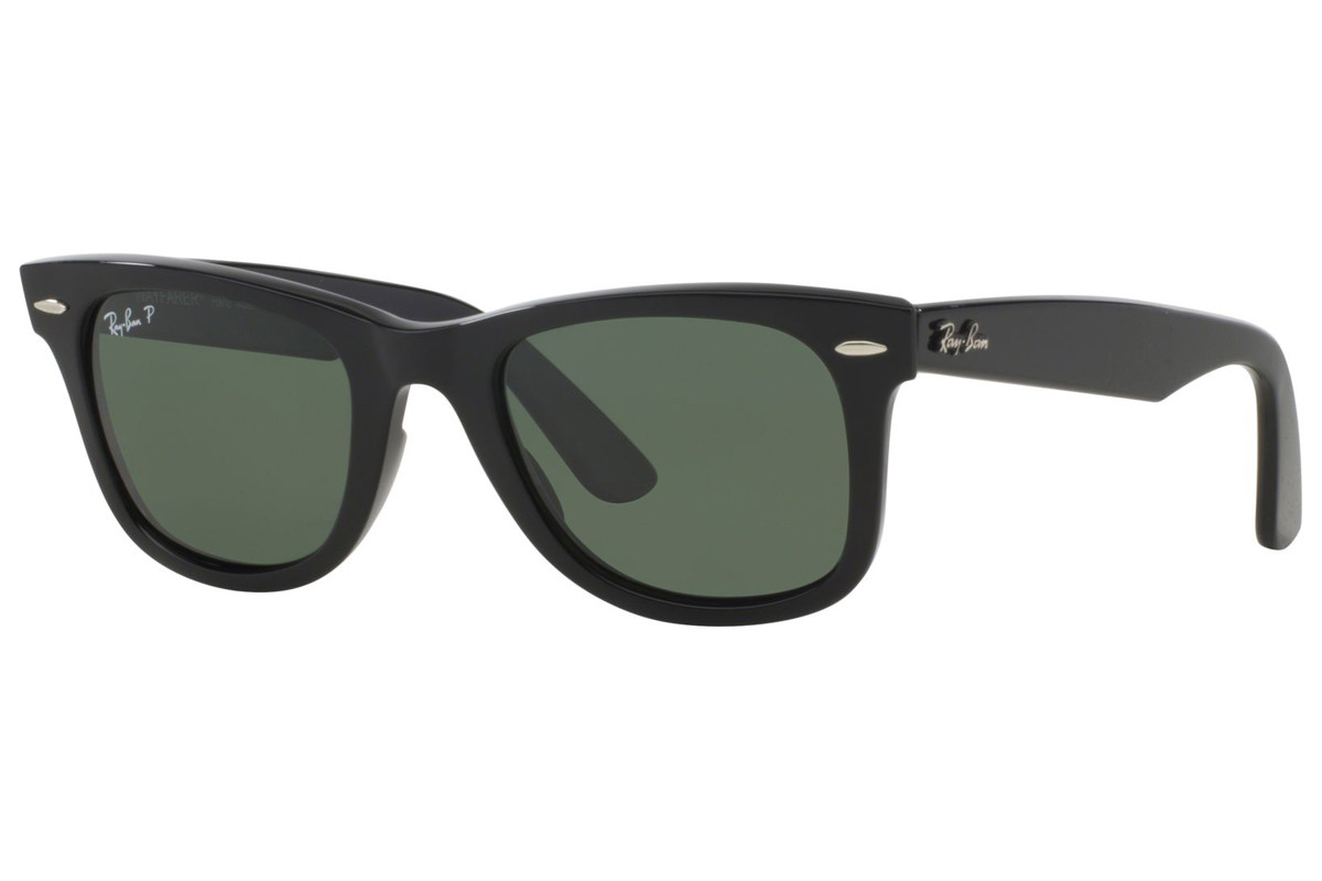 Ray-Ban Original Wayfarer Classic RB2140 901/58 Polarized. Frame color: Black, Lens color: Green, Frame shape: Squared