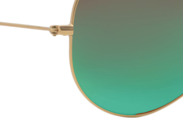 Ray-Ban Aviator Flash Lenses RB3025 112/19. Frame color: Gold, Lens color: Green, Frame shape: Pilot