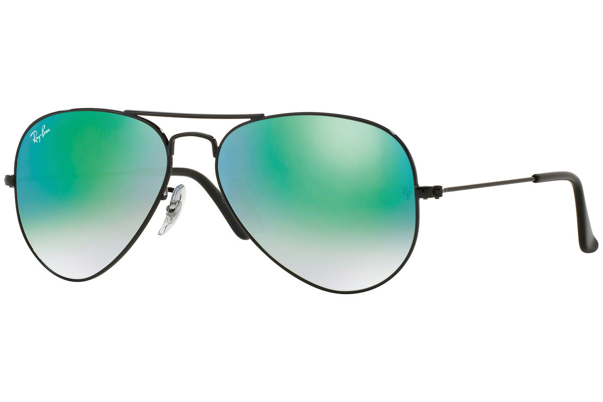 Ray-Ban Aviator Flash Lenses Gradient RB3025 002/4J. Frame color: Black, Lens color: Green, Frame shape: Pilot