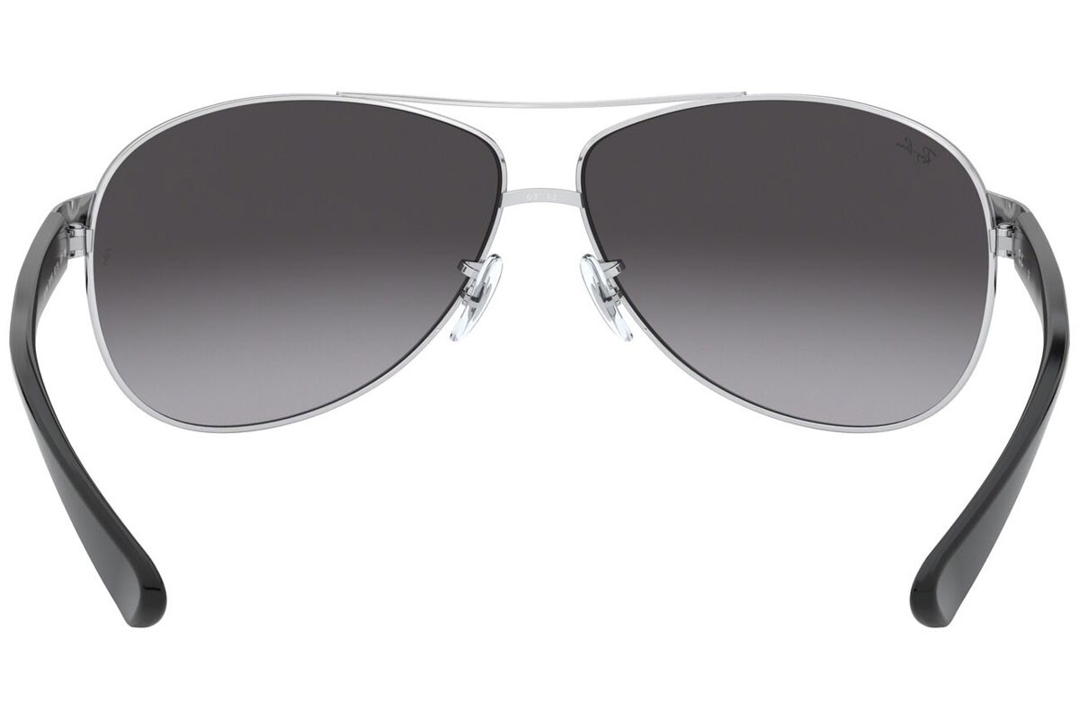 Ray-Ban RB3386 003/8G. Frame color: Сребърна, Lens color: Сива, Frame shape: Пилотни