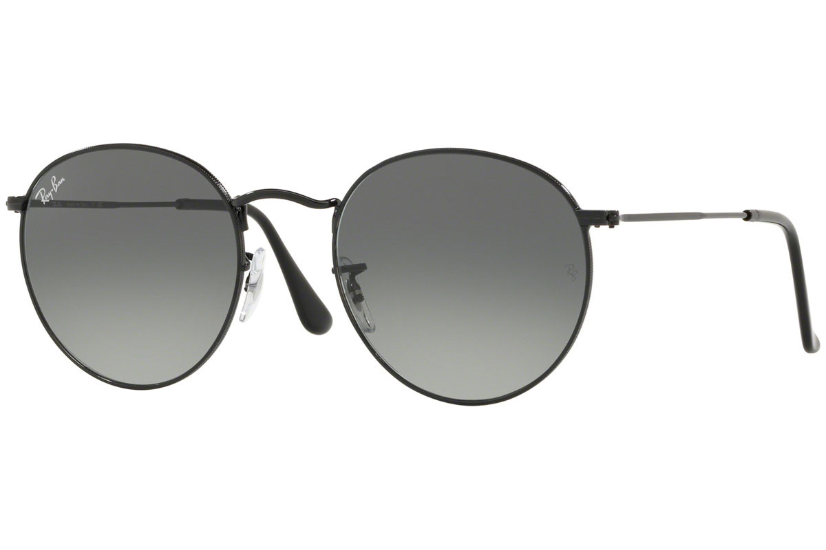 Ray-Ban Round Flat Lenses RB3447N 002/71. Frame color: Črna, Lens color: Siva, Frame shape: Okrogla