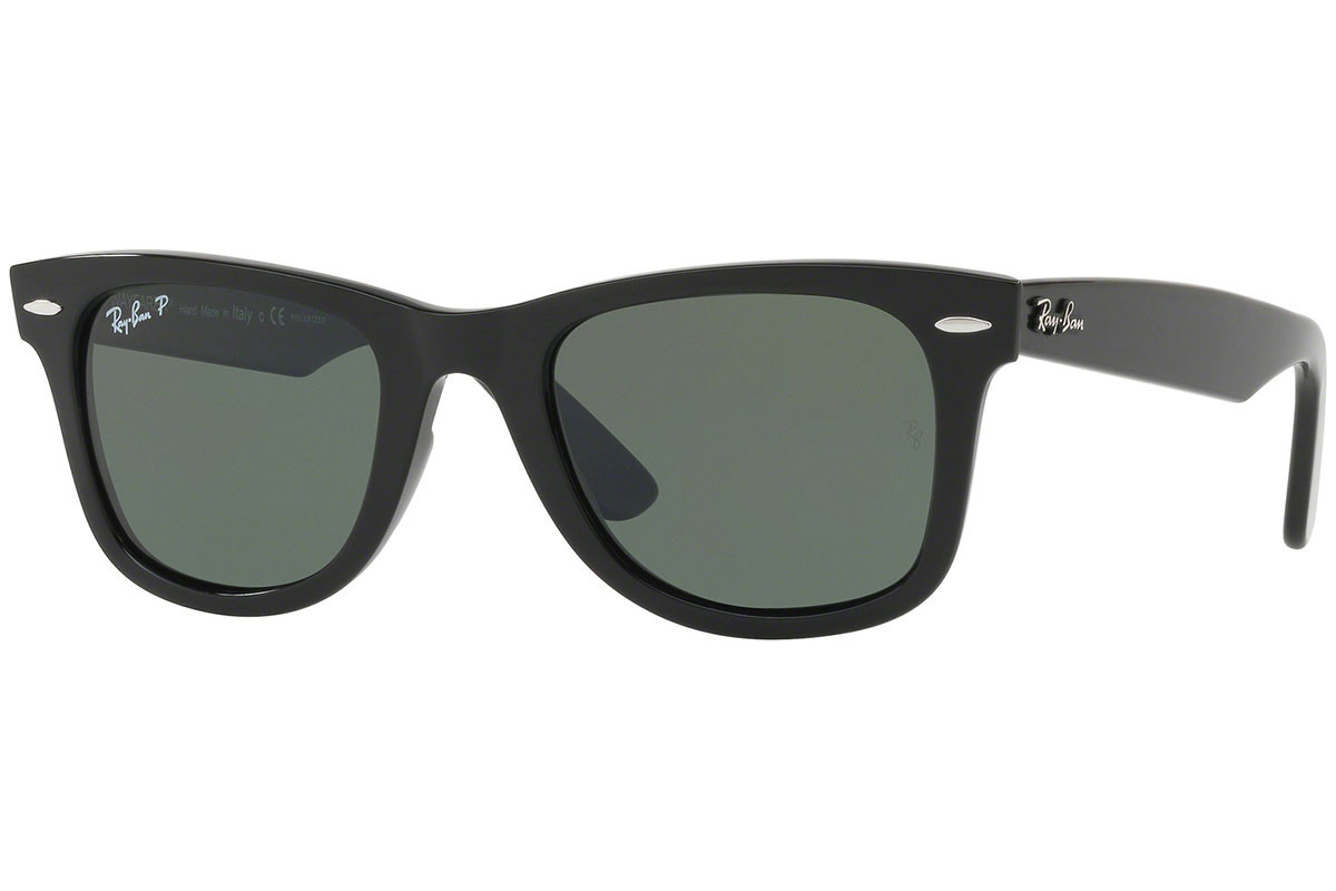 Ray-Ban Wayfarer Ease RB4340 601/58 Polarized. Frame color: Black, Lens color: Green, Frame shape: Squared