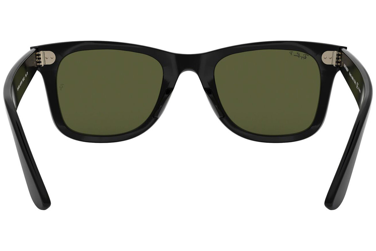 Ray-Ban Wayfarer Ease RB4340 601/58 Polarized. Frame color: Черна, Lens color: Зелена, Frame shape: Квадратни
